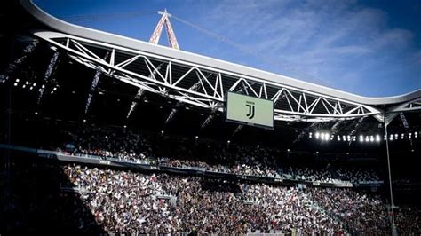la juventus si rifà il look ufficializzati nuovo logo e quot allianz stadium quot serie a 2016 2017 calcio eurosport