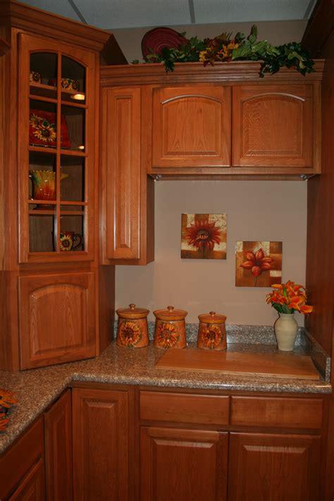 kitchen remodel ideas with oak cabinets cinnamon oak kitchen cabinets design kitchen cabinets home design ideas