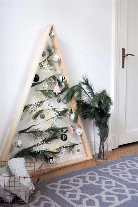 holz deko selber machen weihnachten diy weihnachts 173 173 baum aus holz paulsvera
