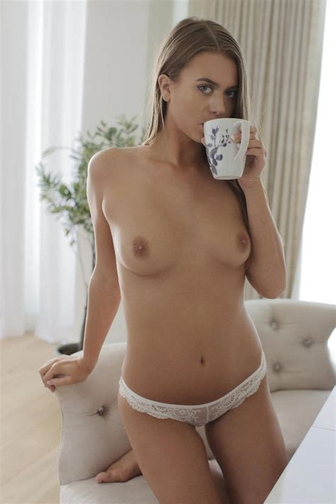 Cute Jill Kassidy Naked In The Kitchen