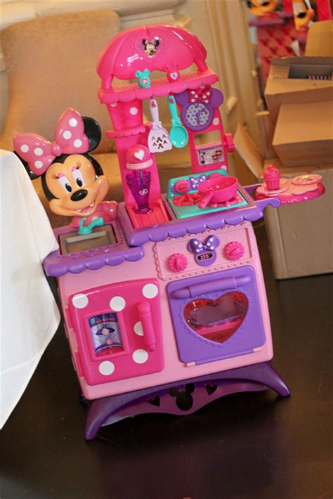 doc mcstuffins kitchen join the justplaytoys tonight at 8 pm est