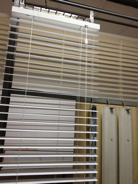 Shading Vertical Blinds 1'' Aluminum Venetian Curtains Granite Tiles Kitchen Countertops Cheap Flooring For Prices Ranch Floor Plans With Large Linoleum Floors Resin Designs Hardwood Which Color Is Best