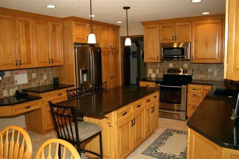 honey oak kitchen cabinets wall color oak cabinet kitchen kitchen remodel using existing oak 8420