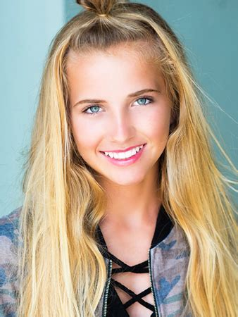 Brand Talent Model Sadie Alaluf