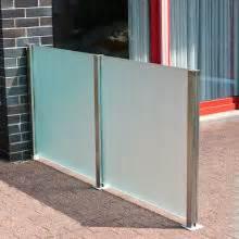 balkon glaswand windschutz aus glas sowie glas windschutz der perfekte sichtschutz für ihre terrasse oder balkon