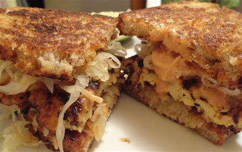 cuisiner tempeh tempeh reuben sandwiches the quot v quot word