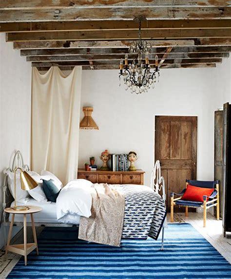 chambre poutre apparente chambre rustique pour des vacances bucoliques design feria