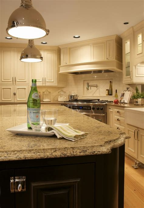 quartz countertops  eye catcher   kitchen