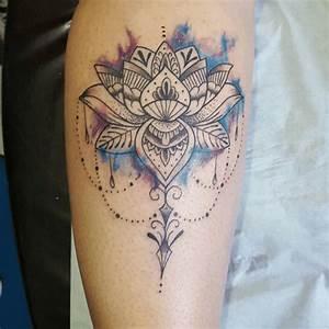 Fleur Lotus Tatouage : tattoo fleur de lotus bas du dos ~ Mglfilm.com Idées de Décoration