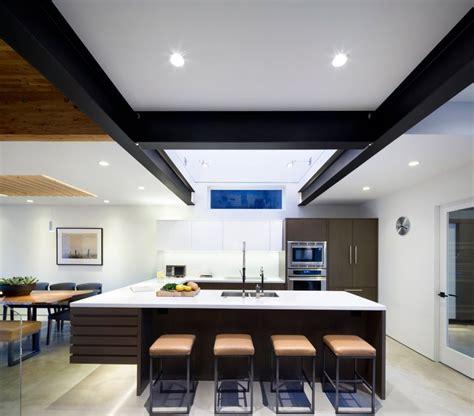 fachada de casa moderna de dos pisos  diseno de interiores