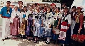 The picture above shows traditional Italian clothing ...