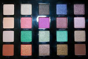 """Eyeshadow Palettes: Urban Decay """"Vice 4"""" Palette Review"""