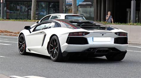 aventador lp  pirelli edition cost