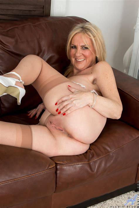 Mature Mom With Sexy Legs In Stockings Undressing To Bare