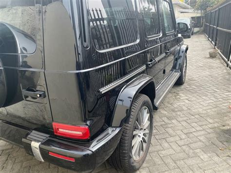 It is available in 6 colors, 3 variants, 2 engine, and 1 transmissions option: Foreign Used Mercedes-Benz G550 2019 Model Black