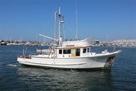 Houseboats For Sale Ta Florida by Best 25 Trawlers For Sale Ideas On Sailing