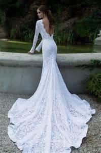 brautkleid mit langer schleppe mode germany brautkleider mit spitze im meerjungfrauen stil