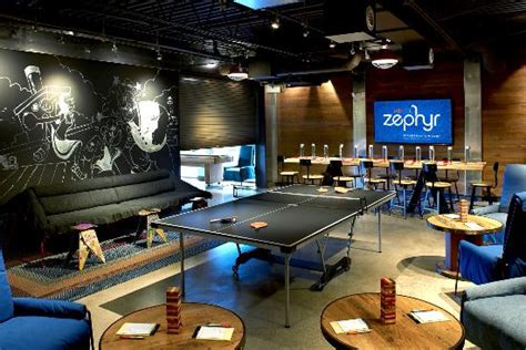Hotel Zephyr Game Room - Picture of Hotel Zephyr, San