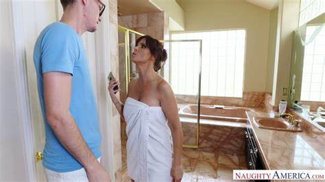 Reveal The Vacation Cleaner Alluring Hooker With Fine Massive Titties Syren De Mer Is Destroyed