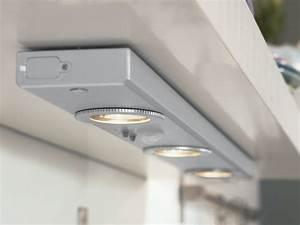 eclairage sous meuble cuisine avec detecteur With eclairage cuisine sous meuble