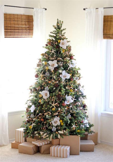 pretty christmas tree  floral ornaments home design