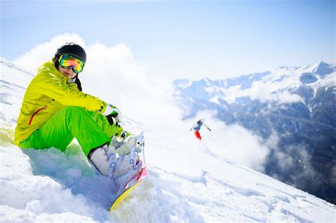 Snowboarding Beginners: 10 Best Tips For Learning To...