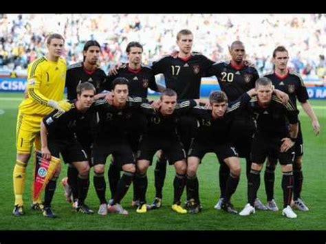 Die deutschen schauen nicht nur gerne fußballspiele im. Germany National Anthem (Deutscher Fussball Bund 2010 ...