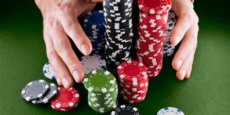 Trik Menang Terus Bermain Poker Online Terbaru