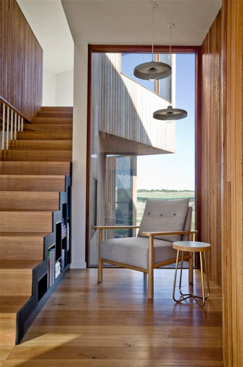 13th Beach House Stair and Reading Nook - Contemporary