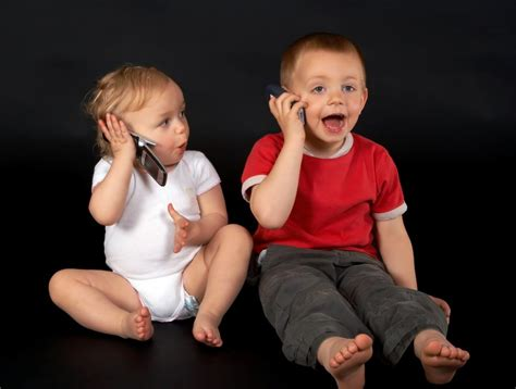 late talking toddlers likely to be by age 5 586   aHR0cDovL3d3dy5saXZlc2NpZW5jZS5jb20vaW1hZ2VzL2kvMDAwLzAxNy83NzEvb3JpZ2luYWwva2lkcy10YWxraW5nLTExMDcwNC5qcGc=