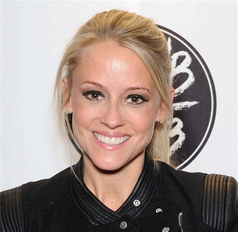 nichol curtis nicole curtis wiki husband or boyfriend dating or married and net worth