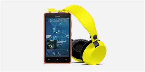 nokia zaprezentowała lumię 625 największy smartfon w swojej ofercie