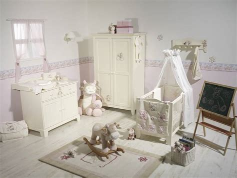 chambre bébé noukies noukies tour de lit vache lola doudouplanet
