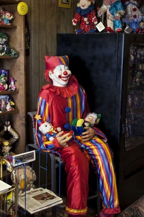 scary clown themed motel   nevada desert