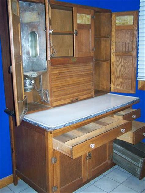 cabinet kitchen doors 299 best images about sellers hoosier cabinets on 1921
