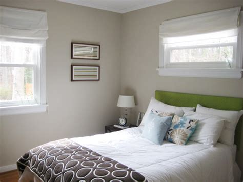 How To Make A Cheap Headboard by Upholstering A Headboard Is An Easy And Cheap Diy Project