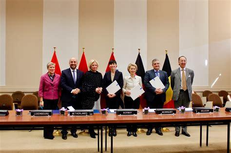 Norge vil inngå samarbeid om multirolle tank- og transportfly - regjeringen.no