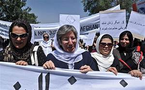 Afghans protest against Taliban public execution in Parwan ...