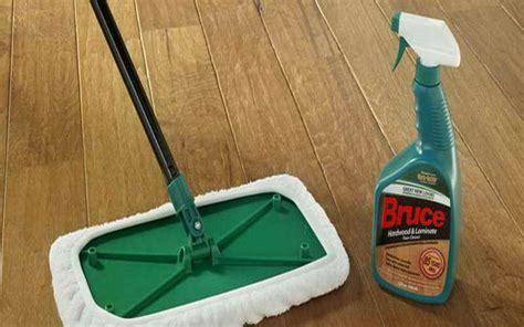 Bruce Hardwood Laminate Floor Cleaner by Floor Cleaner That Keeps Wood Floors From Showing