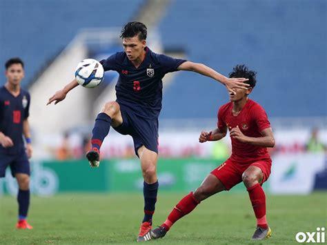 Thái lan (áo sẫm) quyết đánh bại indonesia để mở ra cơ hội đi tiếp tại bảng g. Tructiepbongda: Link xem trực tiếp Indonesia vs Thái Lan 19h30 ngày 10/9