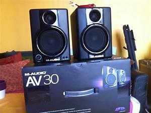M-audio Av 30 V2 Image   755987