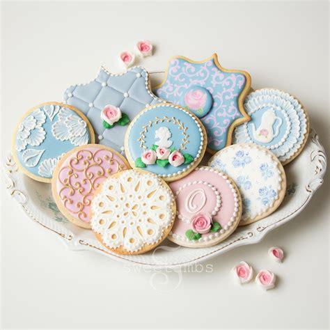 decorate cookies cookie decorating classessweetambs