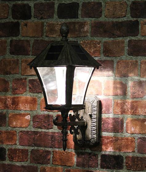 amazoncom gama sonic victorian solar outdoor led light