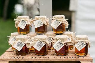petit pot de confiture mariage le mini pot de miel en cadeau pour invit 233 une douce id 233 e mariageoriginal