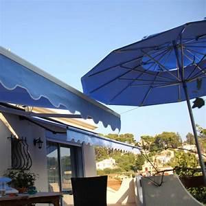 Parasol De Terrasse : parasols de terrasse complets parasols de terrasse double toit rond ~ Teatrodelosmanantiales.com Idées de Décoration