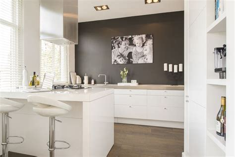 paint kitchen cabinets 2513 best kitchen for small spaces images on 3952
