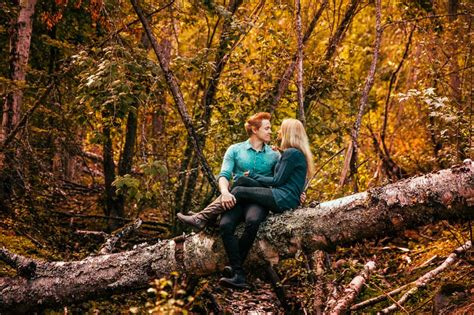 Fall Engagement Photo Ideas - Tailored Fit Photography ...