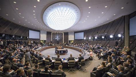 NATO aizsardzības ministri vienojas par pasākumiem INF ...