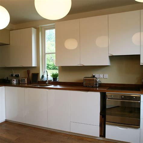 white lacquer  walnut kitchen kitchens home