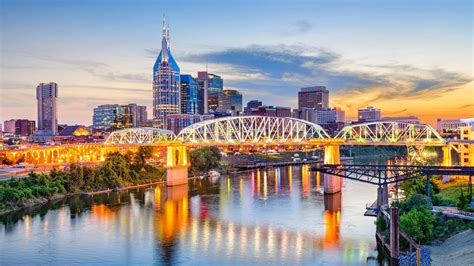 downtown nashville hotels  broadway holston house